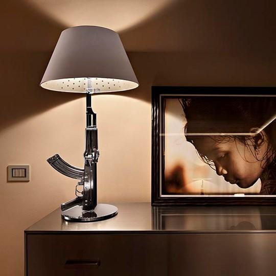 xcelsior, flos, philippe starck, dizaina lampa, gun lamp,