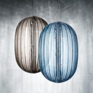 Plass-grau-und-hellblau
